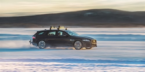 640X320 XF Sportbrake Driving On Ice 1