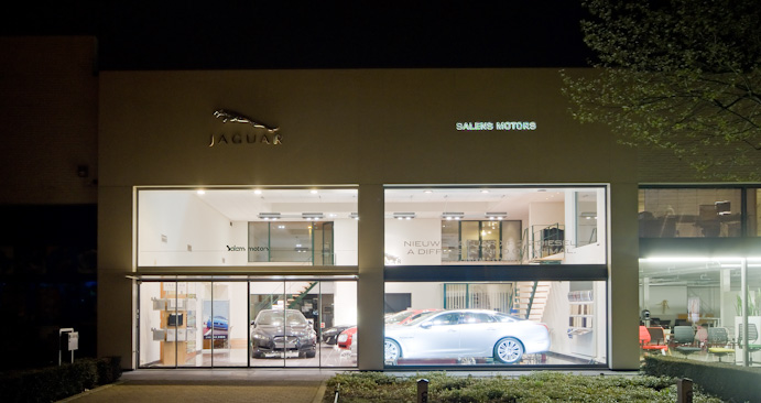 Salens Motors by night